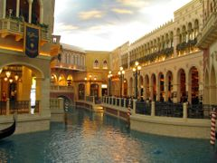 Venetian Grand Canal Shops by <b>Michael Gerstmann</b> ( a Panoramio image )