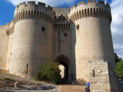 Castle in Villeneuve les Avignon by <b>marcobertoni</b> ( a Panoramio image )