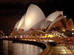 Sydney Opera House at night by <b>Steve Bennett</b> ( a Panoramio image )