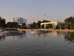 Mustaqillik Maydoni (Independence Square) in Tashkent, Uzbekista by <b>Nicola e Pina Uzbekistan 2011</b> ( a Panoramio image )