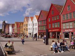 172 Bergen, Bryggen by <b>Daniel Meyer</b> ( a Panoramio image )