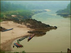 Mekong River in the morning by <b>Tomros</b> ( a Panoramio image )