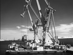 Floating Crane by <b>Reynaert</b> ( a Panoramio image )
