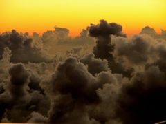 Stormy  evening clouds above Virgin Islands  from a plane. (Real by <b>Konstantin Khrapko</b> ( a Panoramio image )