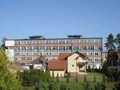 "Zdravstveni centar ""Dr Milenko Marin"" Loznica by <b>SasaDragojevic</b> ( a Panoramio image )"