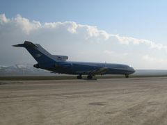 Boeing 727 on the runway. by <b>afghanjohnny</b> ( a Panoramio image )