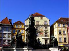 Erzherzog Johann-Brunnen in der Grazer Innenstadt. Skulpturengru by <b>©  Imre Lakat</b> ( a Panoramio image )