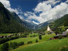 Heiligenblut, Grossglockner Hochalpenstrasse by <b>Irena Brozova (CZ)</b> ( a Panoramio image )