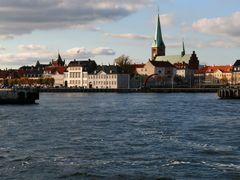 Helsing?r Havn by <b>Henrik Als Nielsen</b> ( a Panoramio image )