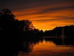 2011-09-26: Enchanting Sunset by <b>Roland_Longbow</b> ( a Panoramio image )