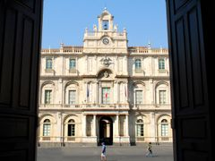 "catania - palazzo dell""universita by <b>adriana bruno</b> ( a Panoramio image )"
