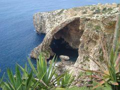 La Gruta Azul by <b>AnaMariaOss</b> ( a Panoramio image )