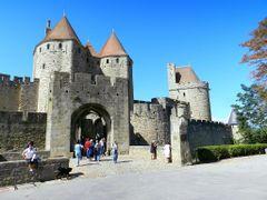 France, la Porte Narbonnaise de la cite de Carcassonne by <b>Roger-11</b> ( a Panoramio image )
