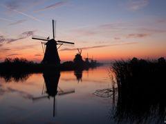 Sunrise, Kinderdijk by <b>© BraCom (Bram)</b> ( a Panoramio image )
