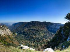 Creux-du-Van, Val de Travers by <b>Emmanuel Brocard</b> ( a Panoramio image )