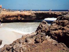 """""""""""  Puente Natural"""""""" .  La estructura coralina mas alta y mas dr by <b>©Chaydee</b> ( a Panoramio image )"""