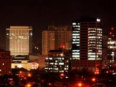 Ayala Center @ Night, Cebu City, Philippines (please click photo by <b>Silverhead</b> ( a Panoramio image )