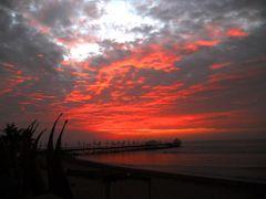Atardecer en el Muelle by <b>Bernardo Nieuwland</b> ( a Panoramio image )