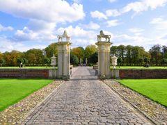 Blick auf das Sudtor des Schlosses Nordkirchen, Nordkirchen by <b>Willi Frerich</b> ( a Panoramio image )