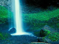 Latourell Falls by <b>LSessions</b> ( a Panoramio image )