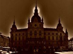 Rathaus .Als ich am Hauptplatz stand, schien mir die Sonne in di by <b>©  Imre Lakat</b> ( a Panoramio image )