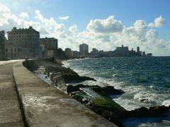 Malecon de la Habana by <b>Johan__</b> ( a Panoramio image )
