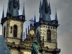 Tyn Cathedral-Chram Panny Marie pred Tynem-Црква Дева Марија пре by <b>b.onosimoski</b> ( a Panoramio image )