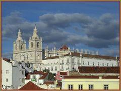 Alfama e Sao Vicente de Fora by <b>rOberto</b> ( a Panoramio image )