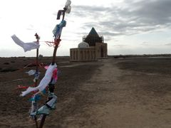 Tekesh Mausoleum with Wishing Tree in Foreground, Konye Urgench, by <b>laurac5</b> ( a Panoramio image )