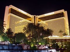 284 Las Vegas, Mirage by <b>Daniel Meyer</b> ( a Panoramio image )