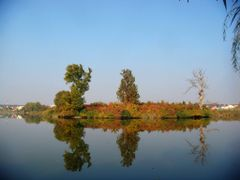 Reflection of autumn by <b>Ghiocela</b> ( a Panoramio image )