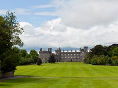 Kilkenny Castle, Ireland by <b>Aga Put</b> ( a Panoramio image )