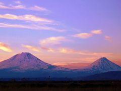Sunset of Ararats - Agr?, Turkey ( View from Bazargan, Iran ) by <b>Hamed Ansari</b> ( a Panoramio image )