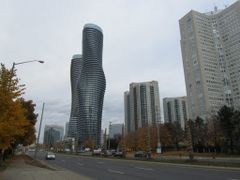"Absolute Towers, Mississauga, Nicknamed ""Marilyn Monroe"" by <b>JLourenco</b> ( a Panoramio image )"