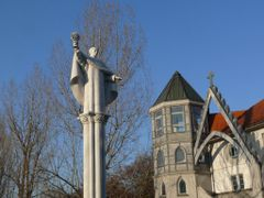 Aquinoi Szent Tamas szobra by <b>Bozor Magdi</b> ( a Panoramio image )