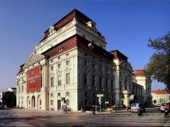 Osterreich Panoramafotos . . .  Opernhaus Graz _ Kaiser Jozef Pl by <b>©  Imre Lakat</b> ( a Panoramio image )