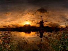Kinderdijk mill at sunset by <b>grcav</b> ( a Panoramio image )