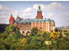 Zamek Ksiaz by <b>Kaluzny</b> ( a Panoramio image )