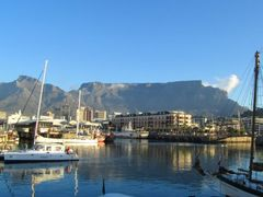 Evening mood Capetown- Waterfront by <b>Cato75</b> ( a Panoramio image )