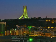 Algiers.Evening by <b>bonavista - NO VIEWS</b> ( a Panoramio image )