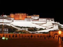 #27 - Potala by night by <b>matsljungberg</b> ( a Panoramio image )