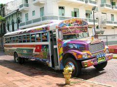 Ciudad de Panama, Bus Tipico by <b>marisadechile</b> ( a Panoramio image )
