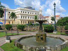Ciudad de Panama, Casco Antiguo by <b>marisadechile</b> ( a Panoramio image )