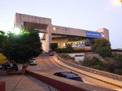 Auditorio del Estado y Centro de Convenciones, Guanajuato by <b>? ? galloelprimo ? ?</b> ( a Panoramio image )