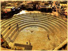Blick auf die Treppen vor dem Amphitheater by <b>birgitju</b> ( a Panoramio image )