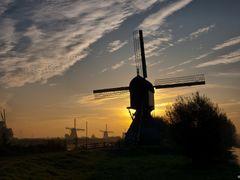 Blokker / Blokweerse Molen (sunrise), Alblasserdam by <b>© BraCom (Bram)</b> ( a Panoramio image )