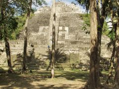 BELIZE: LAMANAI: The High Temple (N10-43) by <b>Douglas W. Reynolds, Jr.</b> ( a Panoramio image )