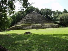 BELIZE: LAMANAI: The Jaguar Temple (Structure N10-9) by <b>Douglas W. Reynolds, Jr.</b> ( a Panoramio image )