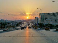 Tunis - Boulevard Mohamed Bouazizi by <b>Chris de la B</b> ( a Panoramio image )