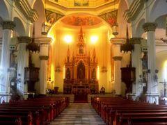 St. Anne Church Interior, Molo, Iloilo City, Philippines by <b>Silverhead</b> ( a Panoramio image )